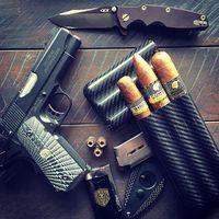 Szivarok és fegyverek