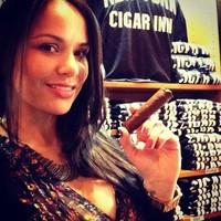 Csinos Hosszteszek a Cigar INN.ből