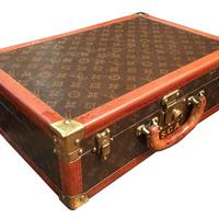 Antik Louis Vuitton kofferbe épített humidor
