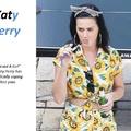 Katy Perry Füstölget Egy Kicsit
