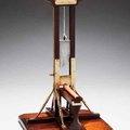 Antik guillotine típusú asztali szivarvágók