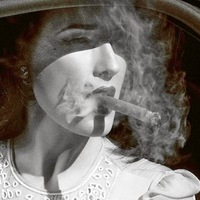 Dita Von Teese - Szivarozó hírességek sztárok és celebek