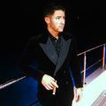 Itt az új szivaros generáció - Nick Jonas egy igazi szivar aficionado