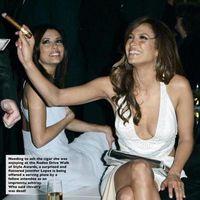 Jennifer Lopez szivarozik