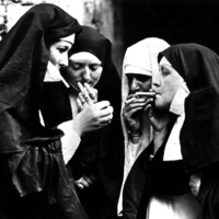 Dohányzó apácák tegnap és ma