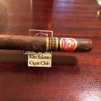 Alto Salento Cigar Club - Szivartámasz