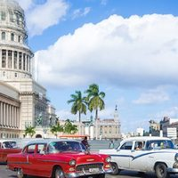 Kuba - Cuba Libre koktéllal, szivarokkal és öreg autókkal