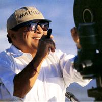 Hollywoodi sztárok akik szivaroznak - Danny DeVito