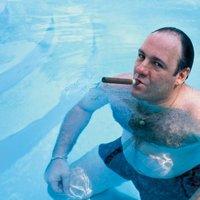 James Gandolfini -  A medencében szeretett szivarozni