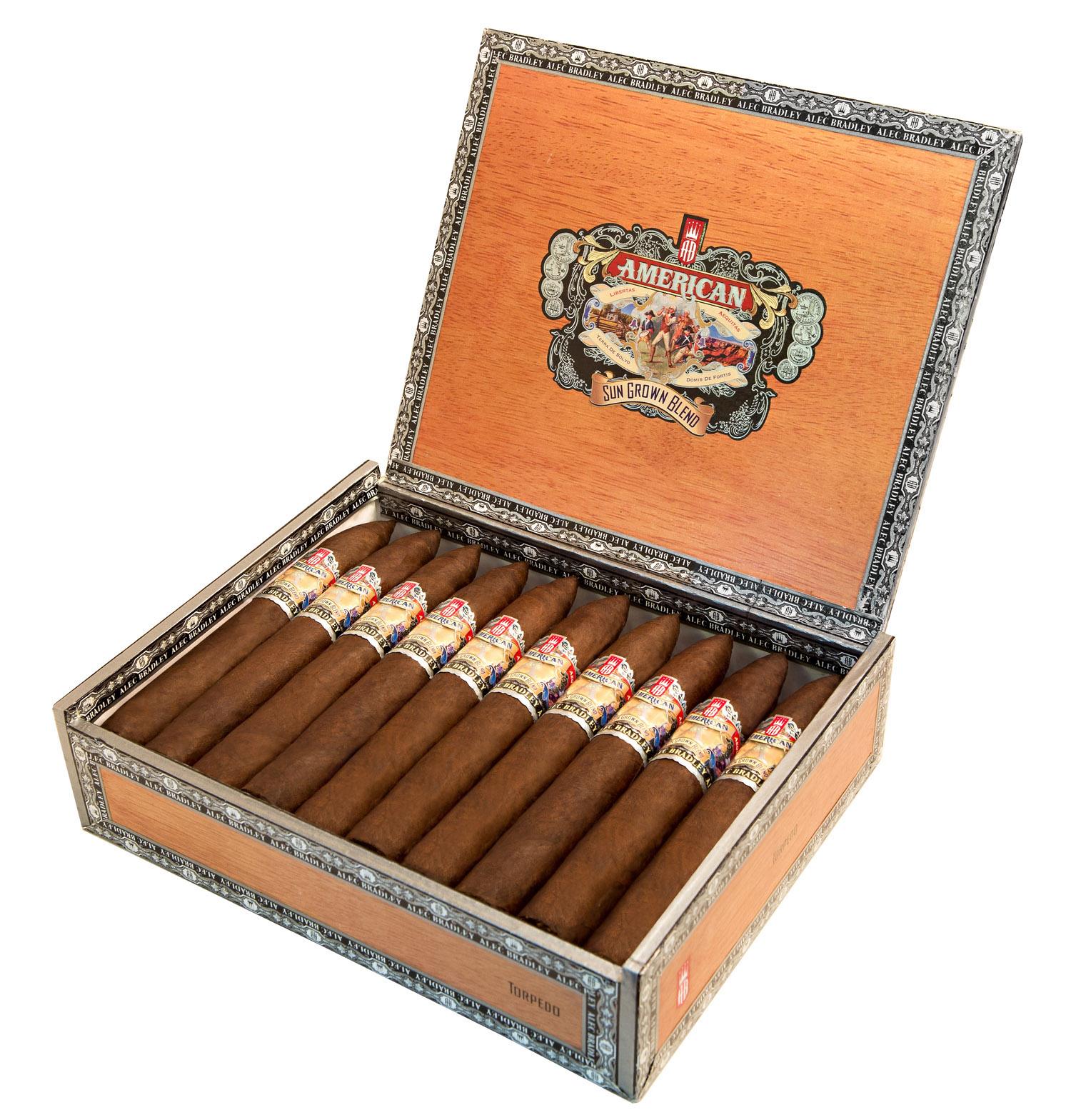 alec_bradley_cigars_cigarmonkeys_5.jpg