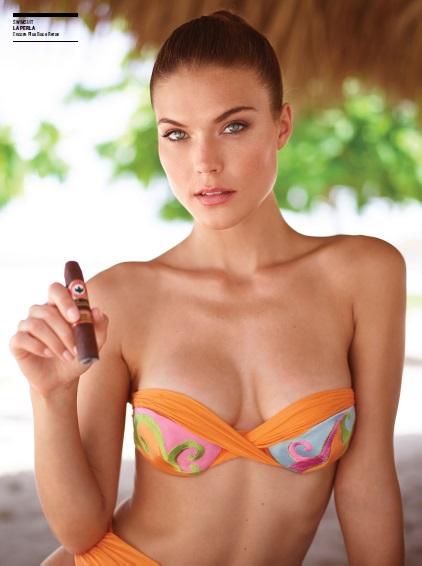bikini_cigar_lady_cigarmonkeys_7.jpg