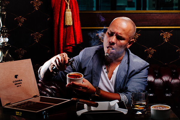 celeb_chef_pierrick_boye_cigar_smoking_2.jpg