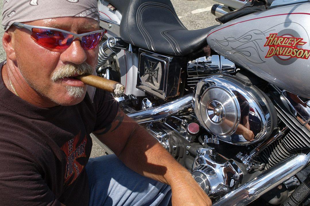 cigar_monkeys.jpg