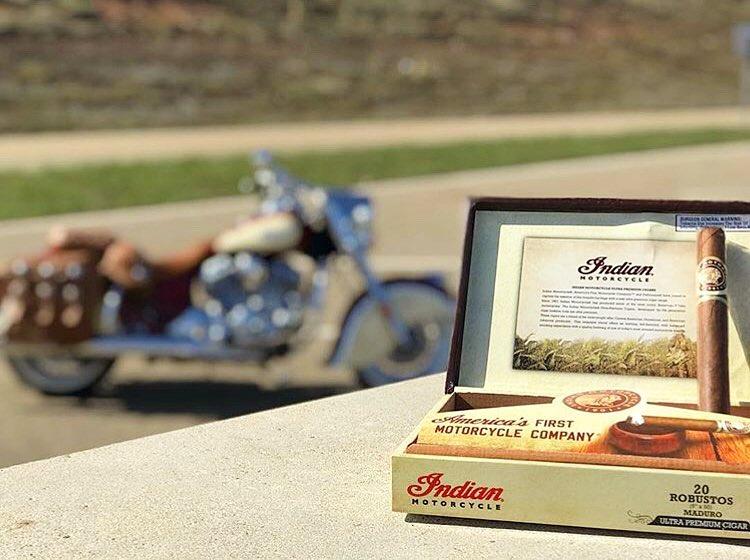 indian_motorok_indian_szivarok_cigarmonkeys_riders_club_budapest_2.jpg