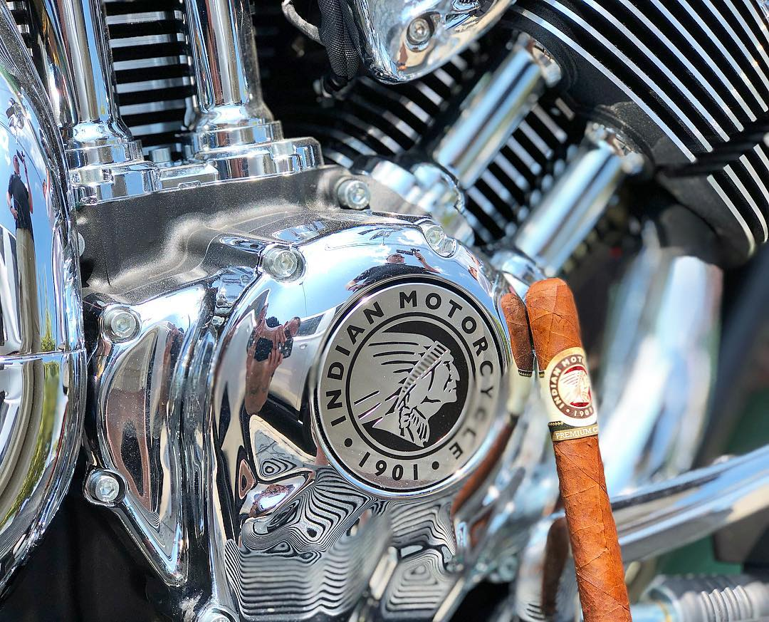 indian_motorok_indian_szivarok_cigarmonkeys_riders_club_budapest_6.jpg