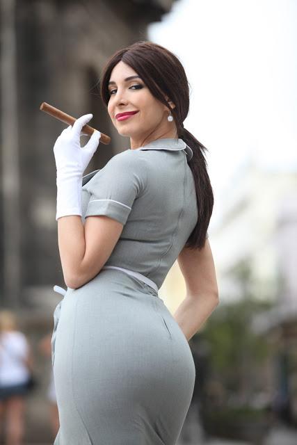 mayra_veronica_mama_mia_cigar_smoke_4.jpg