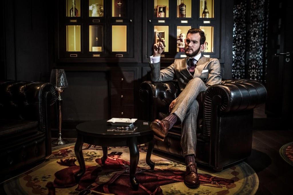 ralph_widmer_a_gentleman_s_world_cigarmonkeys_com_cigar_life_style_3.jpg