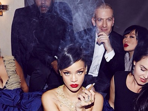 rihanna-cigar-smoke-nude-cigarmonkeys_1.jpg