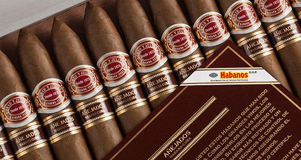 romeo_y_julieta_piramides_a_ejados_2008_cigarmonkeys_com_cigar_life_style_6.jpg