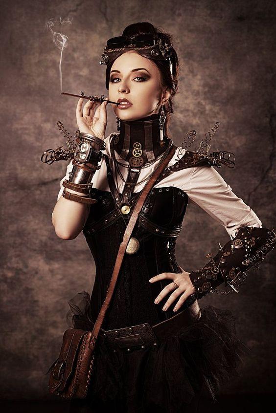 a_steampunk_csajok_szivaroznak_0.jpg