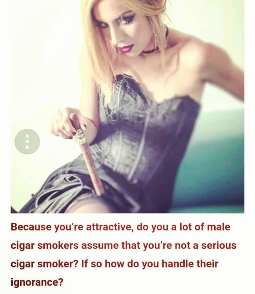 cigar_lover_beatriz_calis_actriz_cigarmonkeys_5.jpg