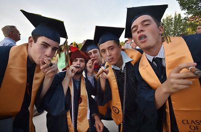 college-students-graduation-cigar-smoking_27.jpg