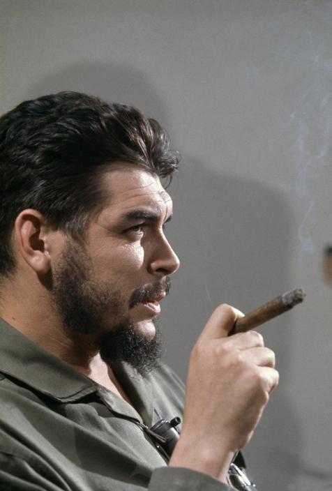 ernesto_che_guevara_cigar.jpg