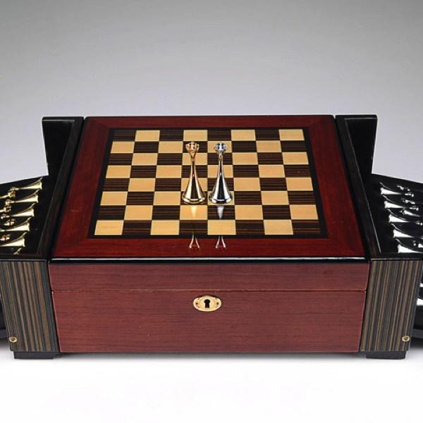 hi-gloss-chess-humidor-set.jpg