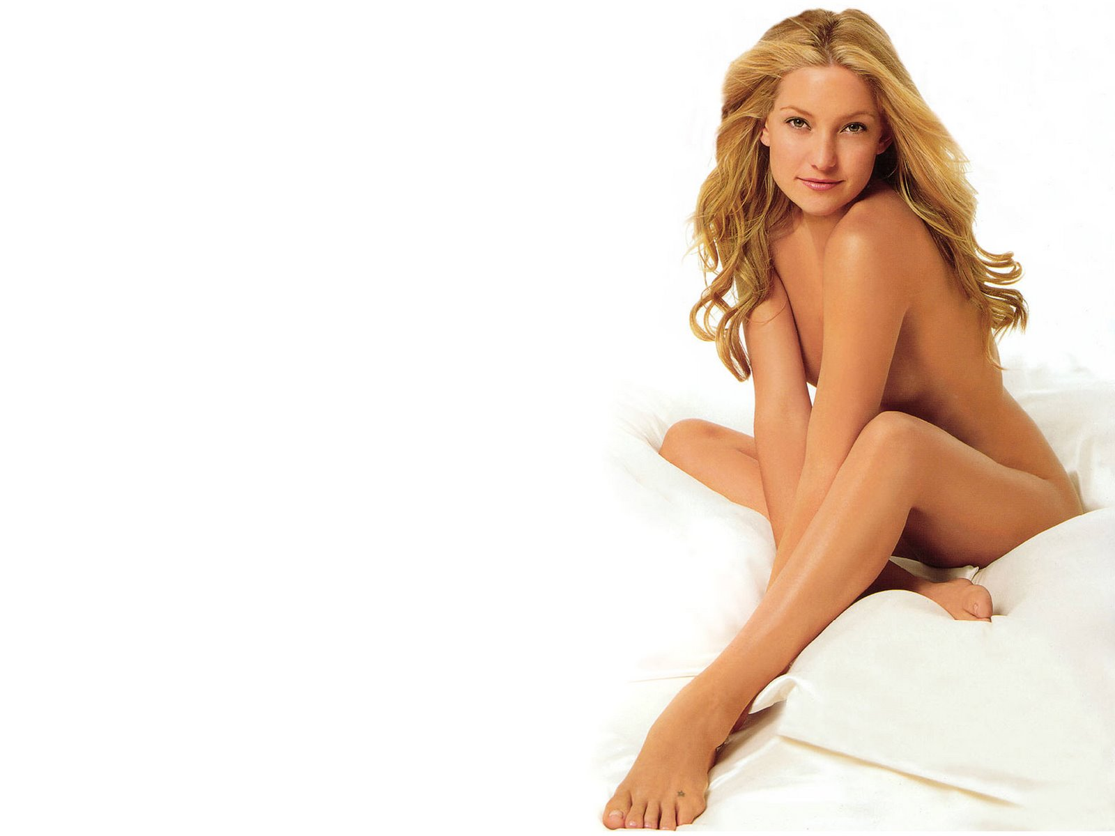 nude_celebrity_smoke_kate_hudson_6.jpg