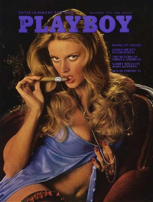 playboy_cigar_szivarozas_szexy_nyuszik_8.jpg