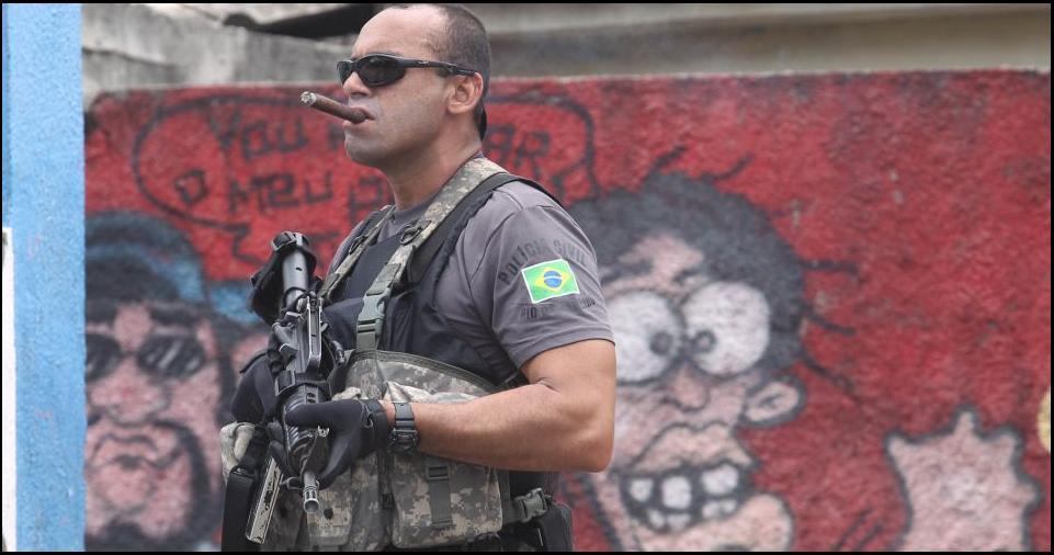 police_men_cigar_smoking.jpg