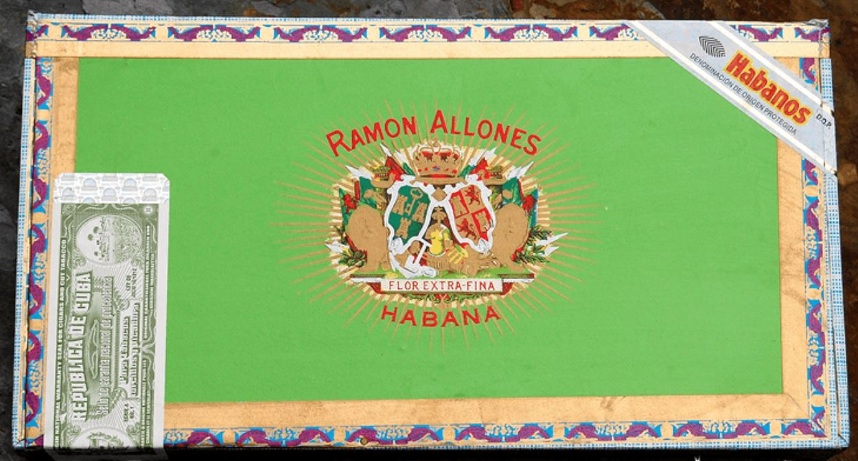 ramon-allones-specially-selected-cigarmonkeys_9_1.JPG