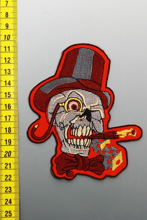 rockabilly_szivarozo_koponya_felvarhato_emblema.jpg