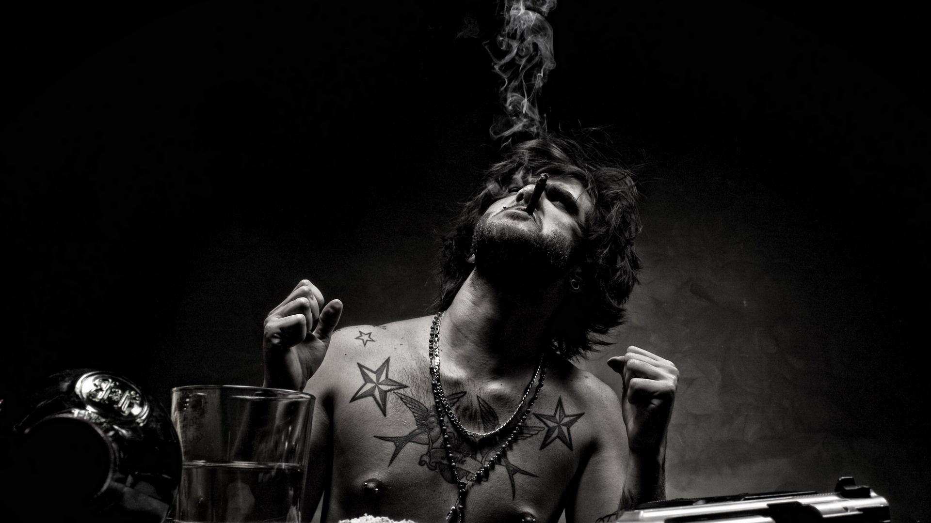 tatoo_man_cigar_smoking_tetovalt_srac_szivarozik_szivarom_blog_2.jpg