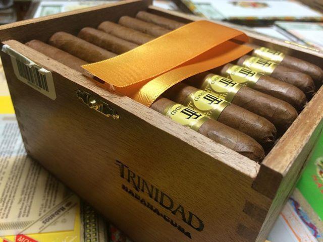 trinidad_cigar_coloniales_-cigarmonkeys_com_cigar_life_style_1.jpg