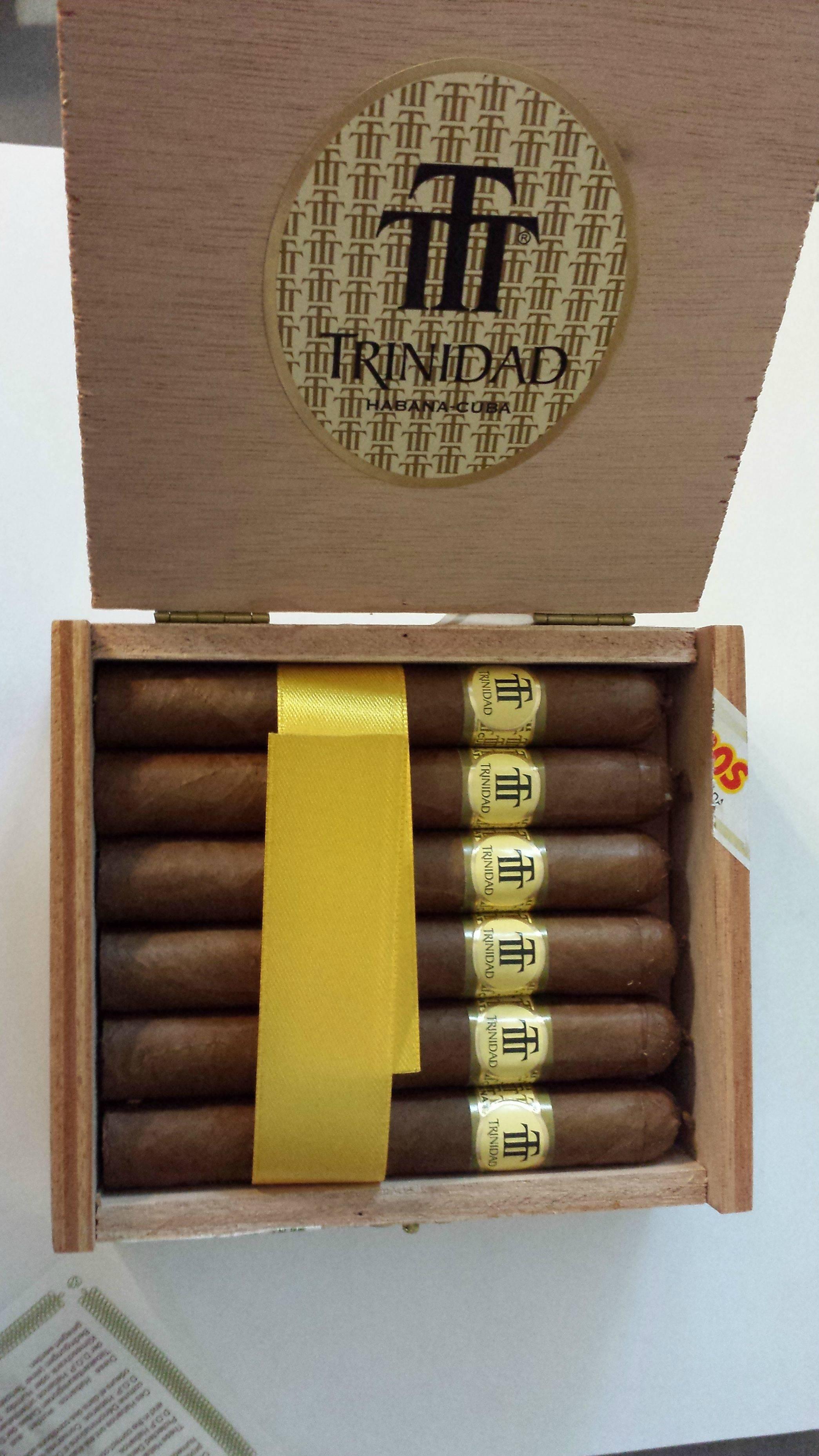 trinidad_reyes_cigar_cigarmonkeys_com_cigar_life_style_2.jpg