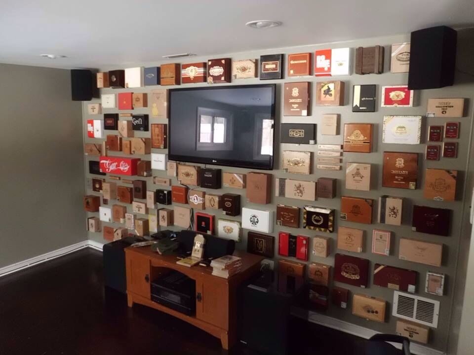 wall_decor_from_cigar_boxes_cigarmonkeys_1.jpg