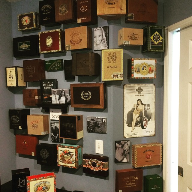 wall_decor_from_cigar_boxes_cigarmonkeys_3.jpg