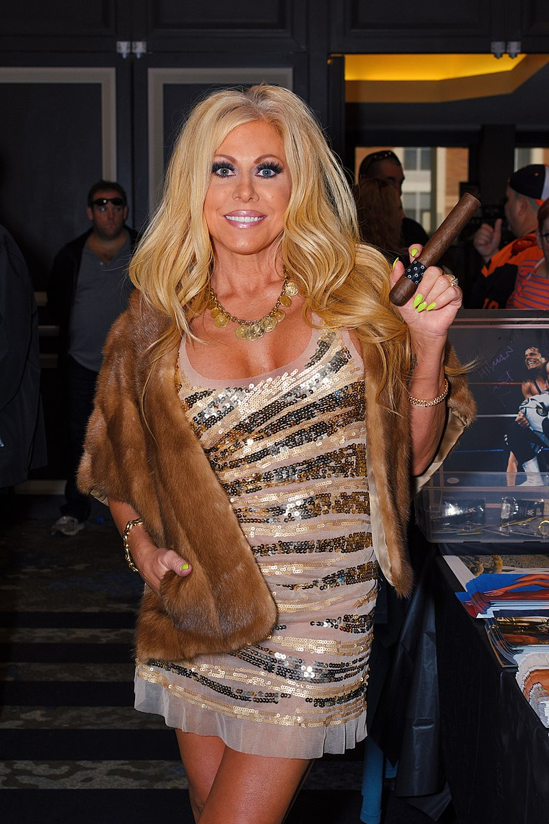 wwe_wwf_diva_hot_nude_smoking_cigar_terri_runnels_cigarmonkeys_com_cigar_life_style_1.jpg