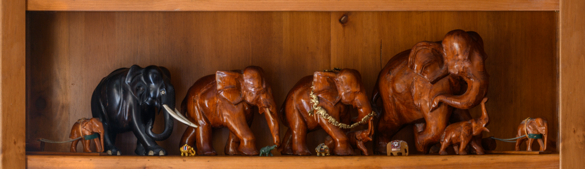 1200px-multiple_thai_elephant_carvings_ps_2.png