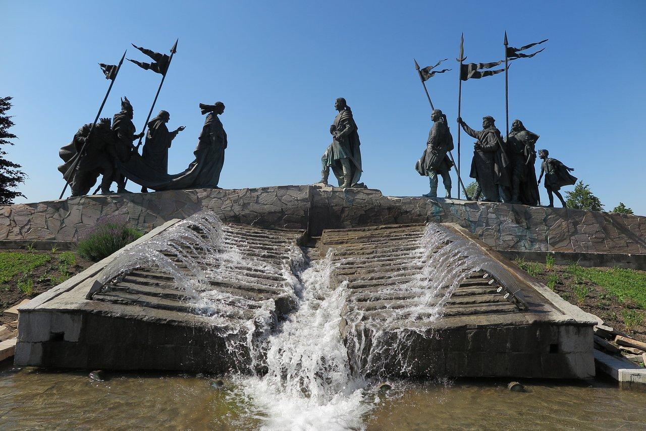 nibelungen-fountain.jpg