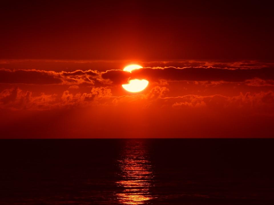 sunset-205717_960_720.jpg