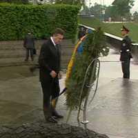 Janukovics és a koszorú