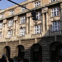 Kelet - nyugat ellentét a Károly Egyetemen és Prágában