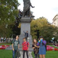 Irodalmi séta a belvárosban a nyolcadikosokkal