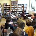 Könyvtárlátogatáson az ötödik osztály
