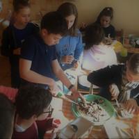 Az első félévben Fedor rendszeresen tortát sütött az ötödikeseknek
