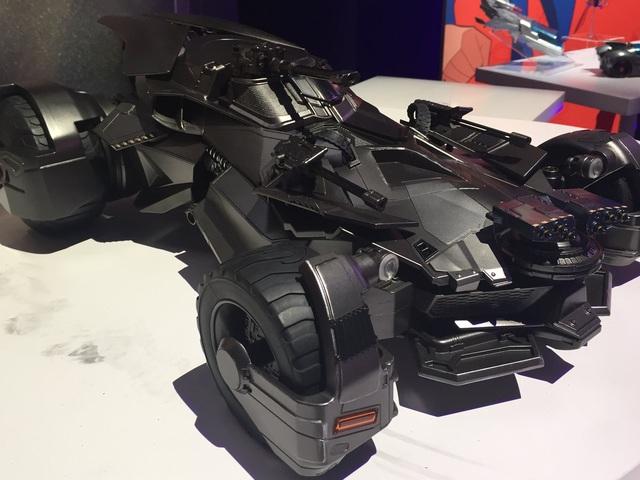 Távirányítós Igazság Ligája Batmobil