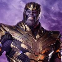 Bosszúállók: Végjáték - Thanos és Vasember figurák
