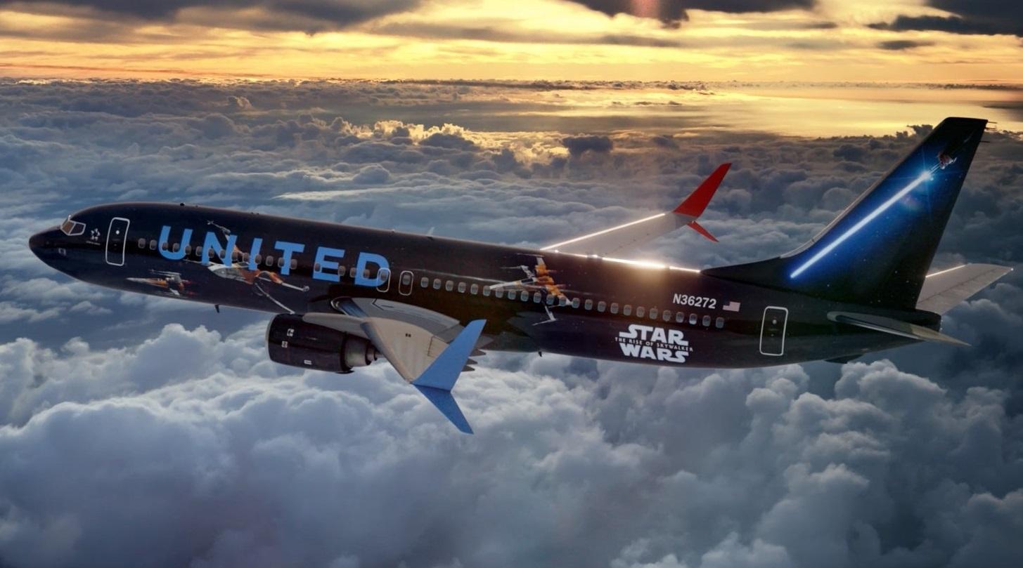szmk_star_wars_csillagok_haboruja_skywalker_kora_rise_of_the_force_united_airlines_boeing_repulo_kylo_ren_rey_bb8_elso_rend_ellenallas_galaxis_6.jpg